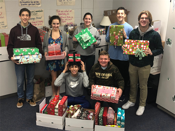 HHS Student Council Collects 150 Gifts