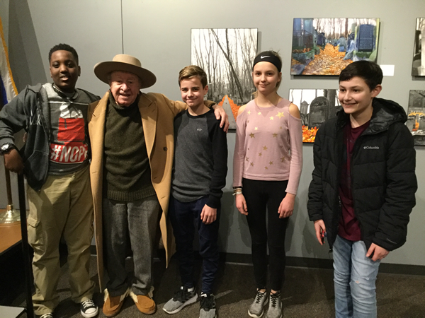 Middle School Students Visit Holocaust Center