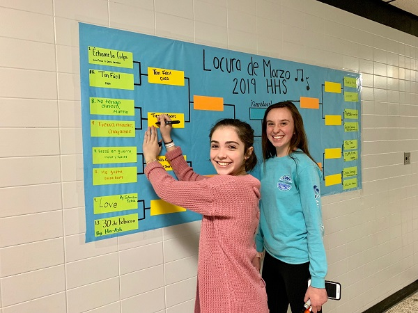 HHS Spanish Classes Fill Out Music Brackets