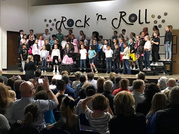 Murphy students perform a rock 'n roll show.