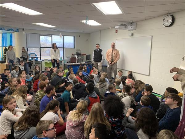 Dave Gott and Mike Larsen speak to Murphy 5th grade students.