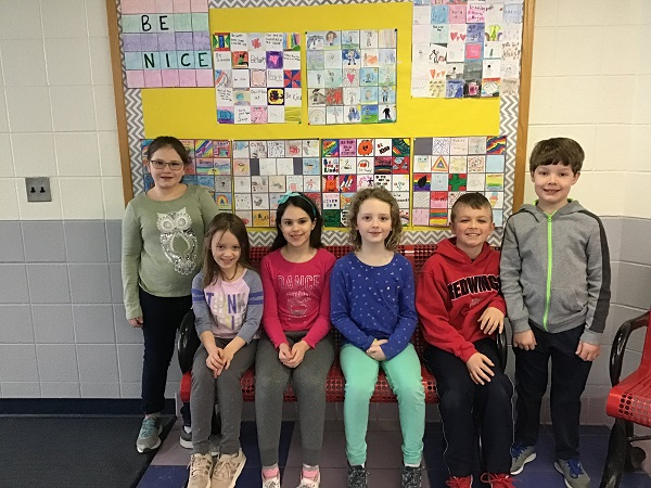 "Murphy Students Make ""Be Nice"" Quilts"