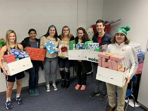 High School Students Collect Gifts